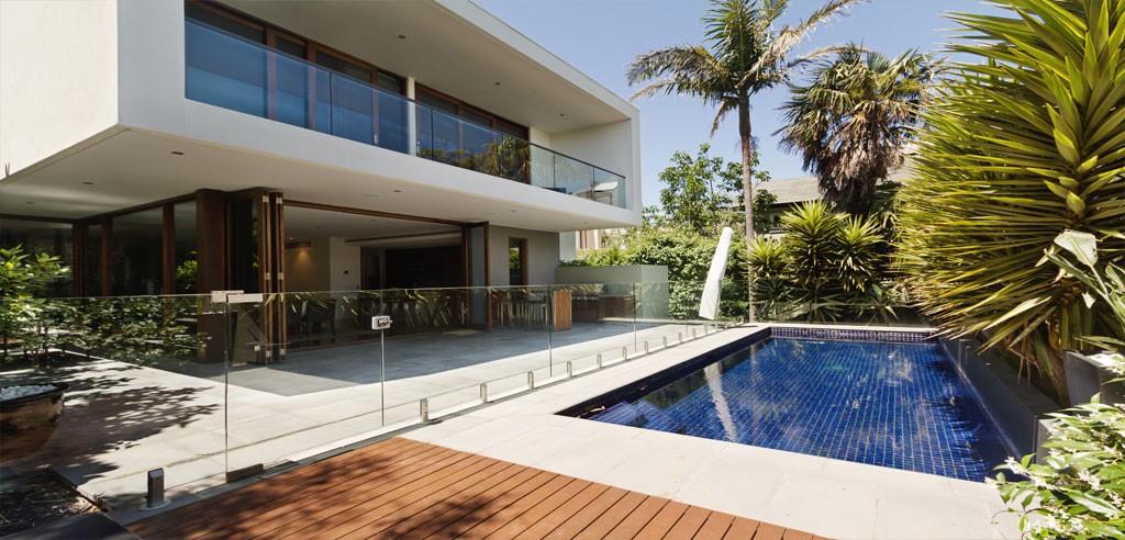 Building Vs. Buying Luxury Home in California